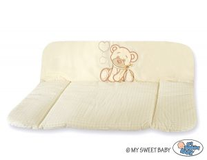 Soft changing mat- Bear with bow cream