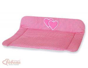 Soft changing mat- Hanging Hearts dark pink checkered