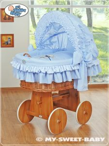 Moses Basket/Wicker crib with hood- Teddy Bear with Bow blue