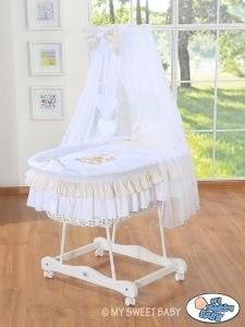 Moses Basket/Wicker crib with drape- Bear with bow white